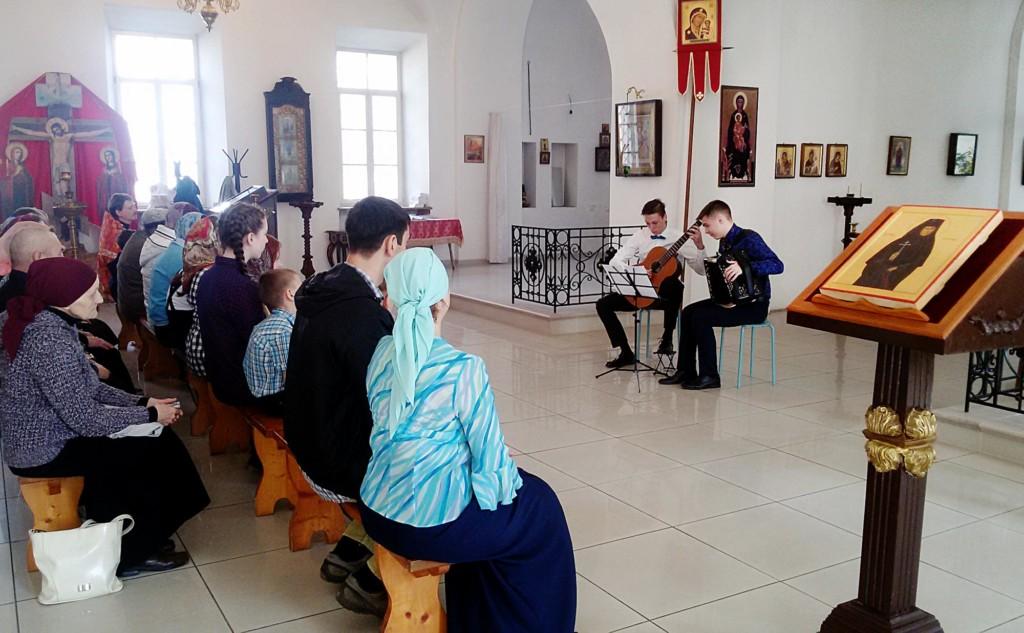 День жен-мироносиц на приходе Покровского храма города Коломны